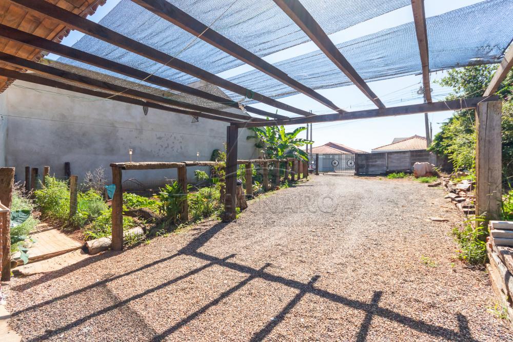 Alugar Casa / Padrão em Ponta Grossa R$ 700,00 - Foto 9