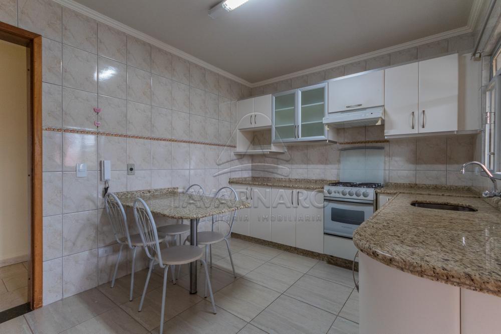 Alugar Apartamento / Padrão em Ponta Grossa R$ 1.400,00 - Foto 1