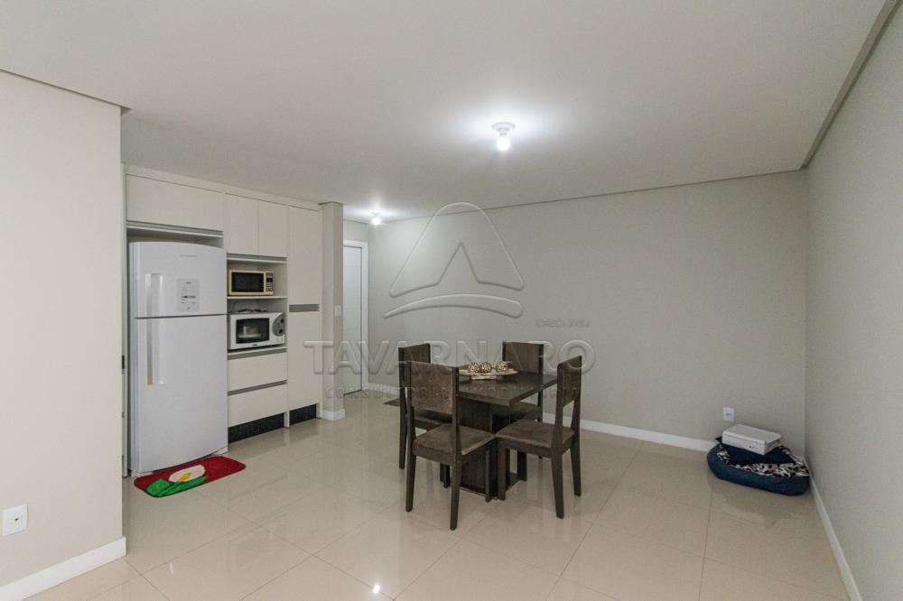 Alugar Apartamento / Padrão em Ponta Grossa R$ 1.750,00 - Foto 3