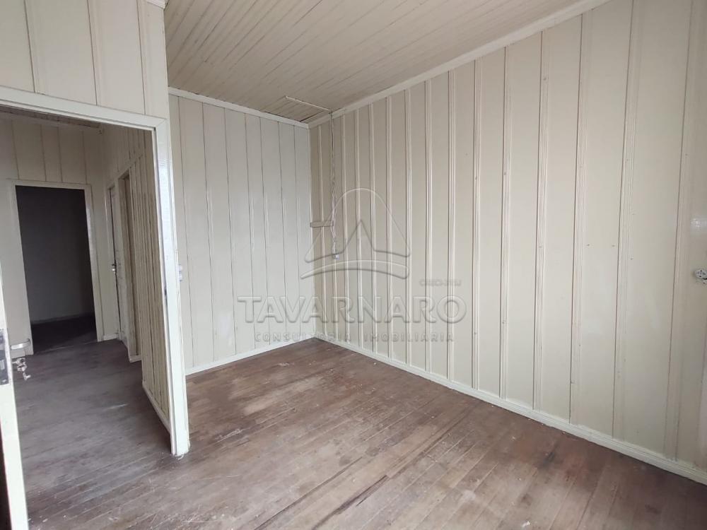 Alugar Casa / Padrão em Ponta Grossa R$ 1.100,00 - Foto 2