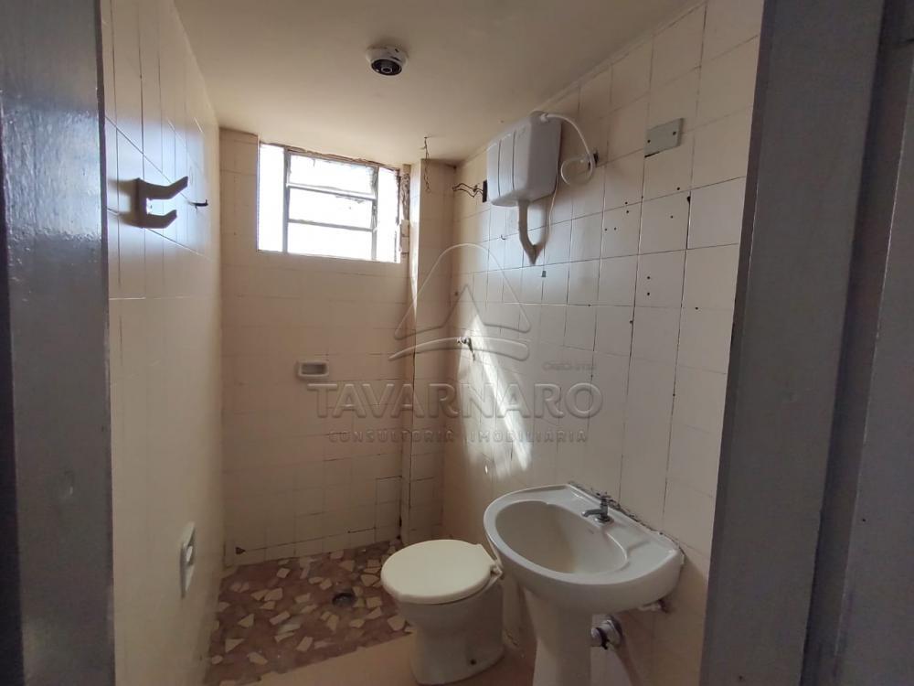 Alugar Apartamento / Kitinete em Ponta Grossa R$ 350,00 - Foto 4