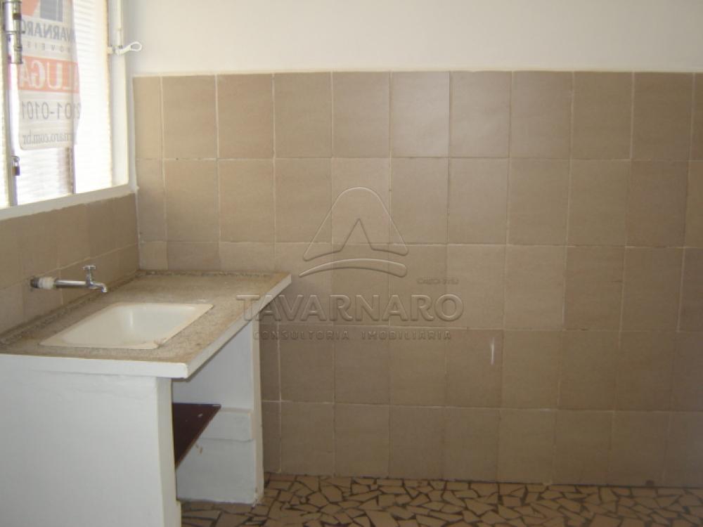 Alugar Apartamento / Kitinete em Ponta Grossa R$ 400,00 - Foto 3