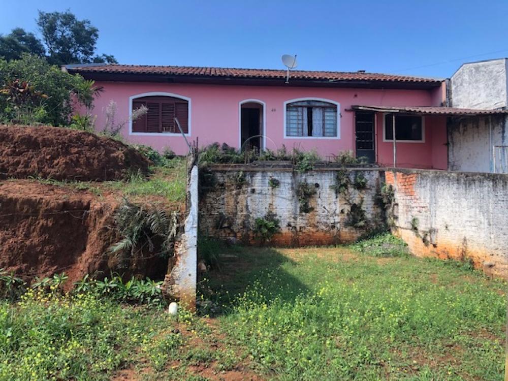 Comprar Casa / Padrão em Ponta Grossa R$ 300.000,00 - Foto 1