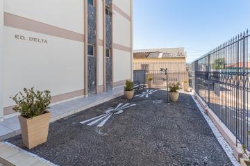 Alugar Apartamento / Padrão em Ponta Grossa. apenas R$ 330.000,00