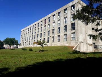 Alugar Apartamento / Padrão em Ponta Grossa. apenas R$ 155.000,00