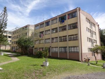 Alugar Apartamento / Padrão em Ponta Grossa. apenas R$ 138.000,00