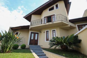 Comprar Casa / Padrão em Ponta Grossa.