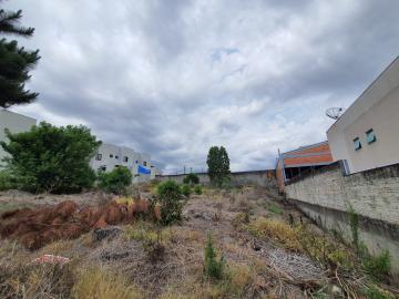 Alugar Terreno / Padrão em Ponta Grossa. apenas R$ 270.000,00
