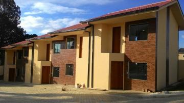 Alugar Casa / Condomínio em Ponta Grossa. apenas R$ 135.000,00