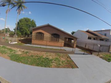 Alugar Casa / Padrão em Ponta Grossa. apenas R$ 950,00