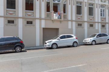 Comercial / Loja em Ponta Grossa Alugar por R$3.600,00