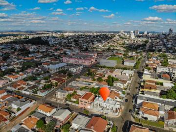 Alugar Casa / Sobrado em Ponta Grossa. apenas R$ 440.000,00