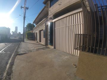 Casa / Padrão em Ponta Grossa Alugar por R$700,00
