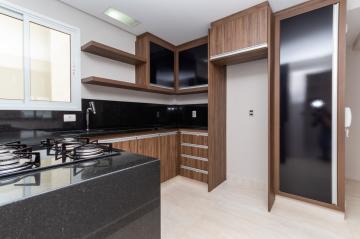 Apartamento / Padrão em Ponta Grossa Alugar por R$2.300,00