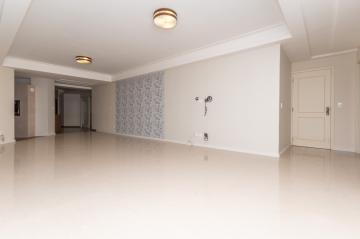 Apartamento / Padrão em Ponta Grossa. apenas R$ 829.000,00
