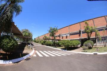 Alugar Comercial / Barracão em Ponta Grossa. apenas R$ 1,00