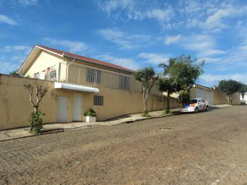 Casa / Padrão em Ponta Grossa Alugar por R$5.000,00