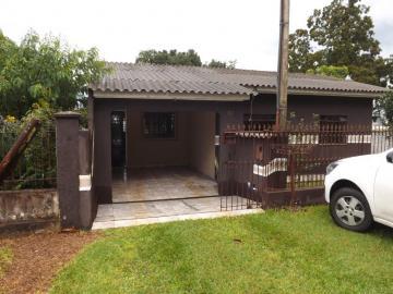 Casa / Padrão em Ponta Grossa Alugar por R$850,00