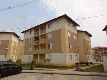 Apartamento / Padrão em Ponta Grossa Alugar por R$1.000,00