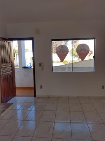 Apartamento / Padrão em Ponta Grossa Alugar por R$430,00
