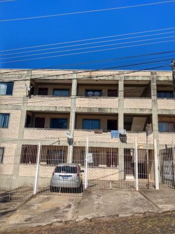 Alugar Apartamento / Padrão em Ponta Grossa. apenas R$ 480,00