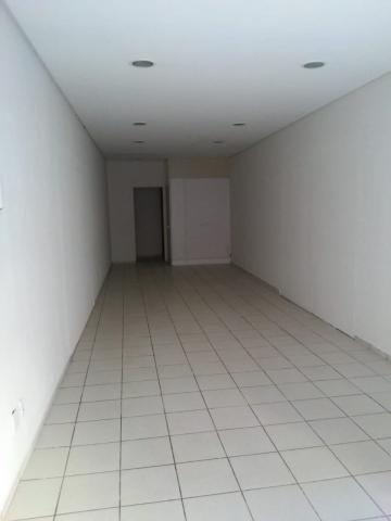 Comercial / Loja em Ponta Grossa Alugar por R$850,00