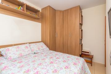 Apartamento / Padrão em Ponta Grossa , Comprar por R$210.000,00