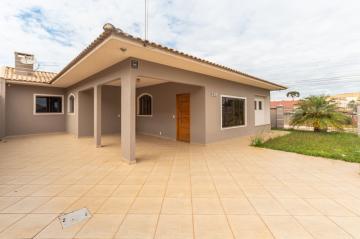 Casa / Padrão em Ponta Grossa Alugar por R$2.350,00