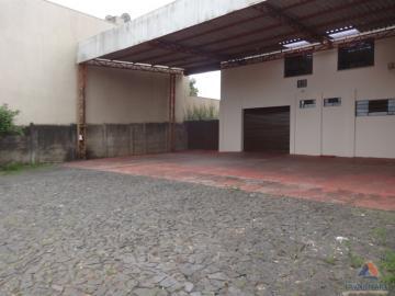 Comercial / Barracão em Ponta Grossa Alugar por R$2.400,00