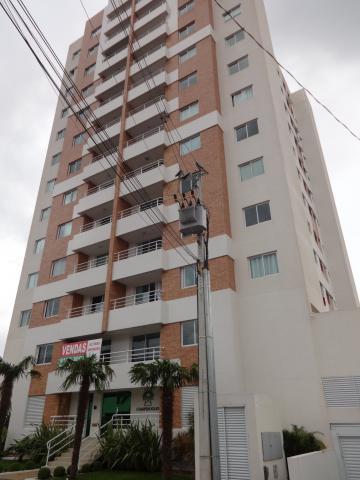 Apartamento / Padrão em Ponta Grossa Alugar por R$1.100,00