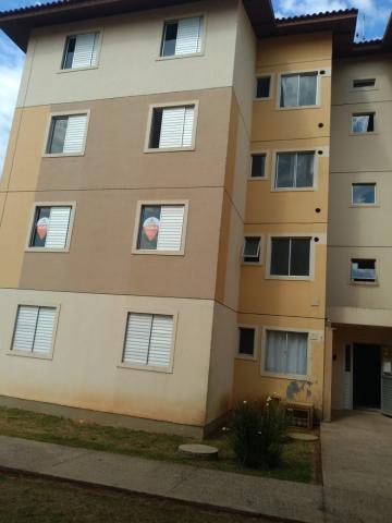 Alugar Apartamento / Padrão em Ponta Grossa. apenas R$ 650,00