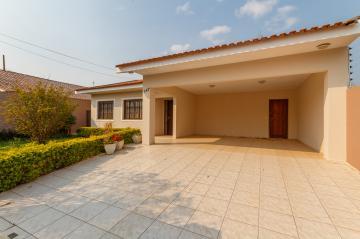 Casa / Padrão em Ponta Grossa Alugar por R$2.300,00