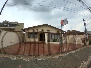 Alugar Casa / Padrão em Ponta Grossa. apenas R$ 1.800,00