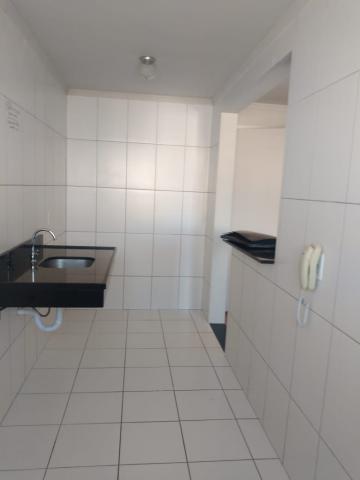 Apartamento / Padrão em Ponta Grossa , Comprar por R$155.000,00