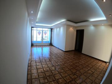 Apartamento / Padrão em Ponta Grossa Alugar por R$1.200,00