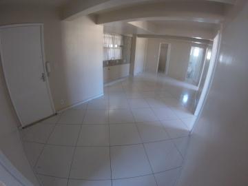 Apartamento / Padrão em Ponta Grossa Alugar por R$1.050,00