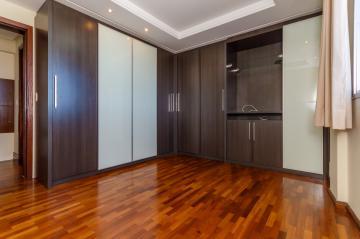 Alugar Apartamento / Padrão em Ponta Grossa. apenas R$ 1.300,00