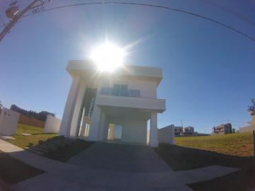Casa / Condomínio em Ponta Grossa Alugar por R$3.500,00