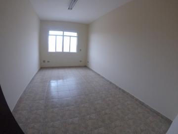 Apartamento / Padrão em Ponta Grossa Alugar por R$700,00