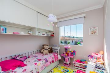 Apartamento / Padrão em Ponta Grossa , Comprar por R$250.000,00