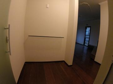 Apartamento / Padrão em Ponta Grossa Alugar por R$1.250,00