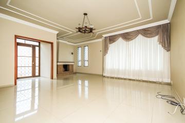 Casa / Padrão em Ponta Grossa Alugar por R$3.500,00