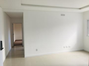 Apartamento / Padrão em Ponta Grossa , Comprar por R$295.000,00