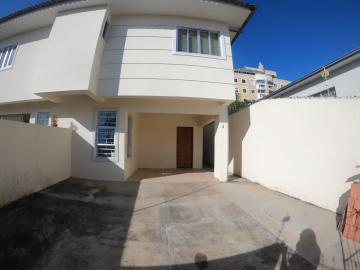 Apartamento / Padrão em Ponta Grossa Alugar por R$800,00