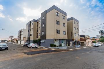 Alugar Apartamento / Padrão em Ponta Grossa R$ 1.300,00 - Foto 1