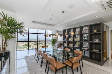 Apartamento / Padrão em Ponta Grossa , Comprar por R$1.800.000,00