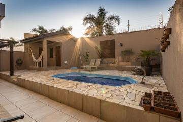Casa / Condomínio em Ponta Grossa , Comprar por R$1.150.000,00