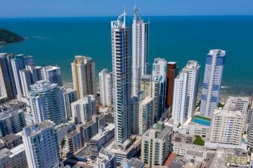 Alugar Apartamento / Padrão em Balneário Camboriú. apenas R$ 3.229.000,00