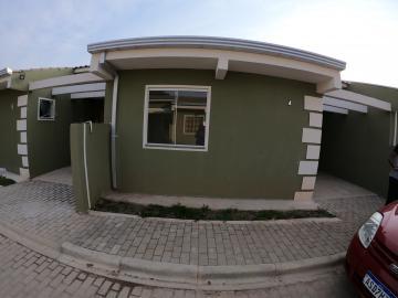 Casa / Padrão em Ponta Grossa Alugar por R$550,00