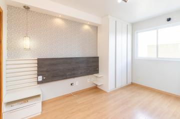 Apartamento / Padrão em Ponta Grossa , Comprar por R$330.000,00